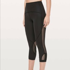Lululemon Clear the Court Crop